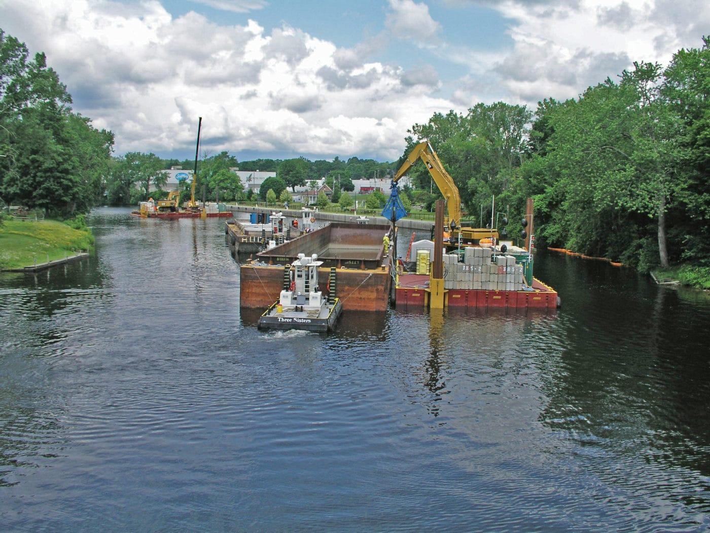 Barge dredging PCBs from Hudson River