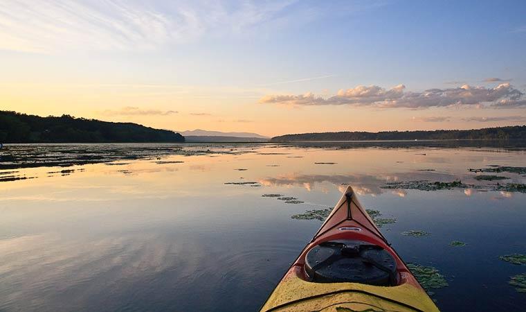 Hudson River Paddler